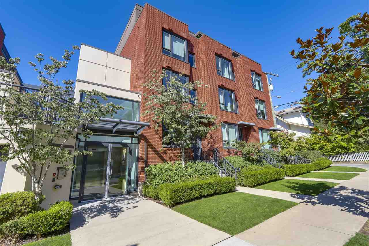 "Main Photo: 214 1961 COLLINGWOOD Street in Vancouver: Kitsilano Townhouse for sale in ""VIRIDIAN GREEN"" (Vancouver West)  : MLS®# R2205025"