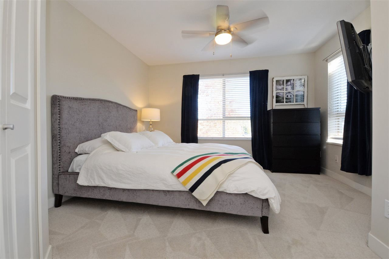 """Photo 11: Photos: 415 8915 202 Street in Langley: Walnut Grove Condo for sale in """"HAWTHORNE"""" : MLS®# R2217261"""