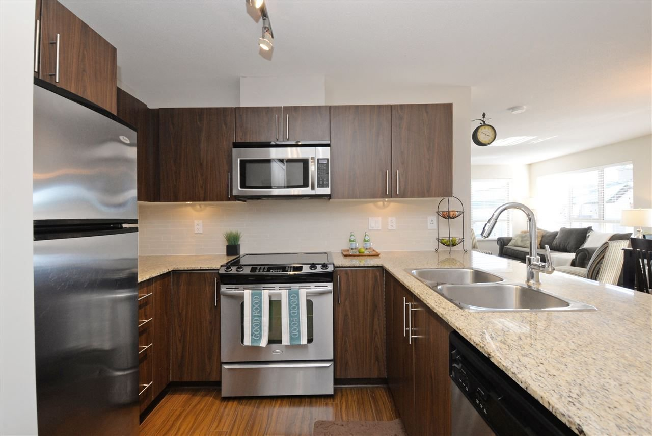 "Photo 8: Photos: 415 8915 202 Street in Langley: Walnut Grove Condo for sale in ""HAWTHORNE"" : MLS®# R2217261"