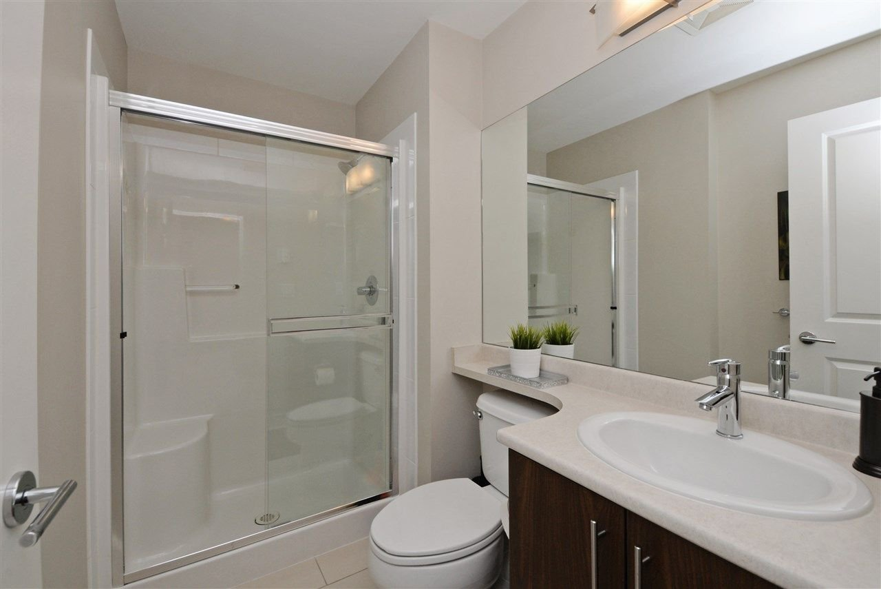 "Photo 16: Photos: 415 8915 202 Street in Langley: Walnut Grove Condo for sale in ""HAWTHORNE"" : MLS®# R2217261"