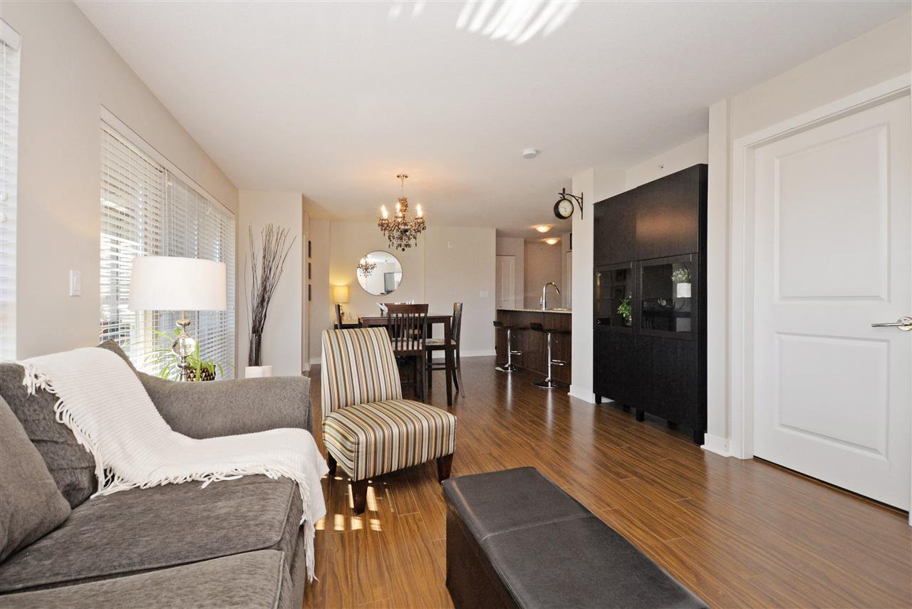 "Photo 3: Photos: 415 8915 202 Street in Langley: Walnut Grove Condo for sale in ""HAWTHORNE"" : MLS®# R2217261"