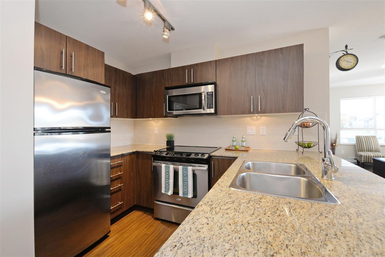 "Photo 9: Photos: 415 8915 202 Street in Langley: Walnut Grove Condo for sale in ""HAWTHORNE"" : MLS®# R2217261"