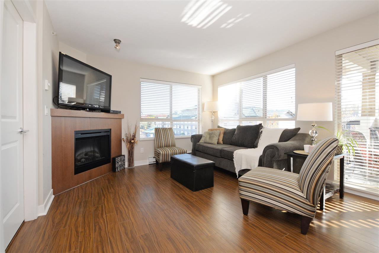 "Photo 2: Photos: 415 8915 202 Street in Langley: Walnut Grove Condo for sale in ""HAWTHORNE"" : MLS®# R2217261"