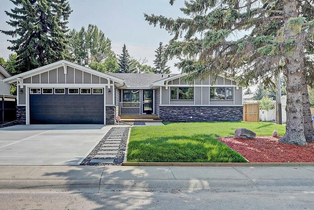 Main Photo: 3719 58 Avenue SW in Calgary: Lakeview House for sale : MLS®# C4165322