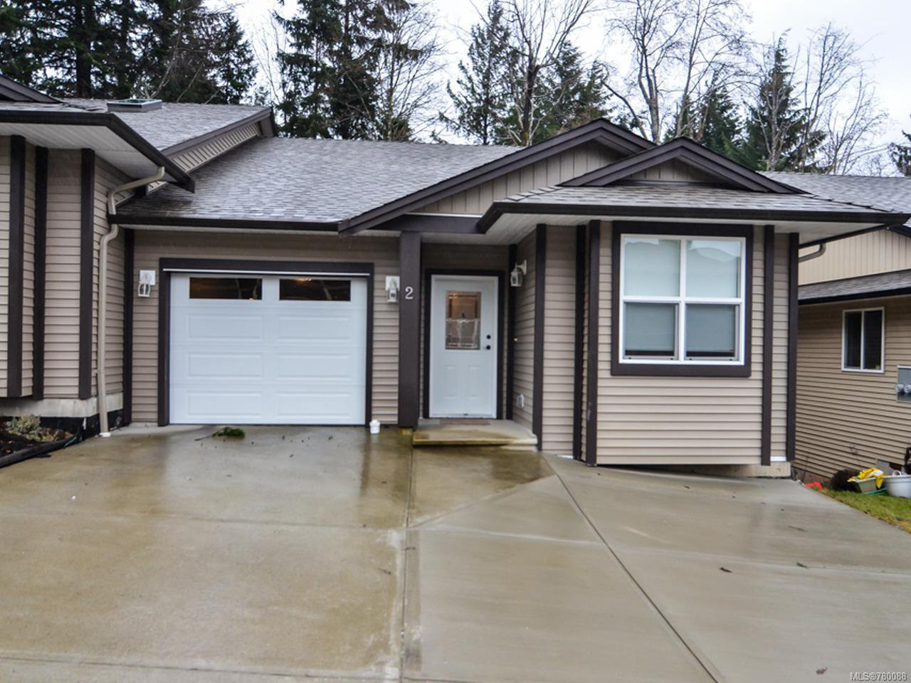 Main Photo: 2 1424 S ALDER S STREET in CAMPBELL RIVER: CR Willow Point Half Duplex for sale (Campbell River)  : MLS®# 780088