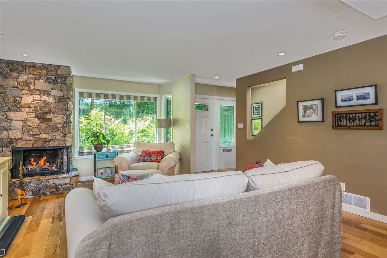 Photo 3: Photos: 1196 DEEP COVE Road in North Vancouver: Deep Cove Townhouse for sale : MLS®# R2279421
