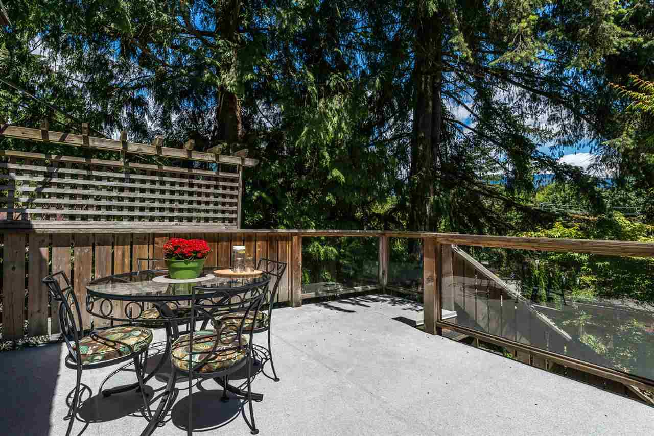Photo 9: Photos: 1196 DEEP COVE Road in North Vancouver: Deep Cove Townhouse for sale : MLS®# R2279421