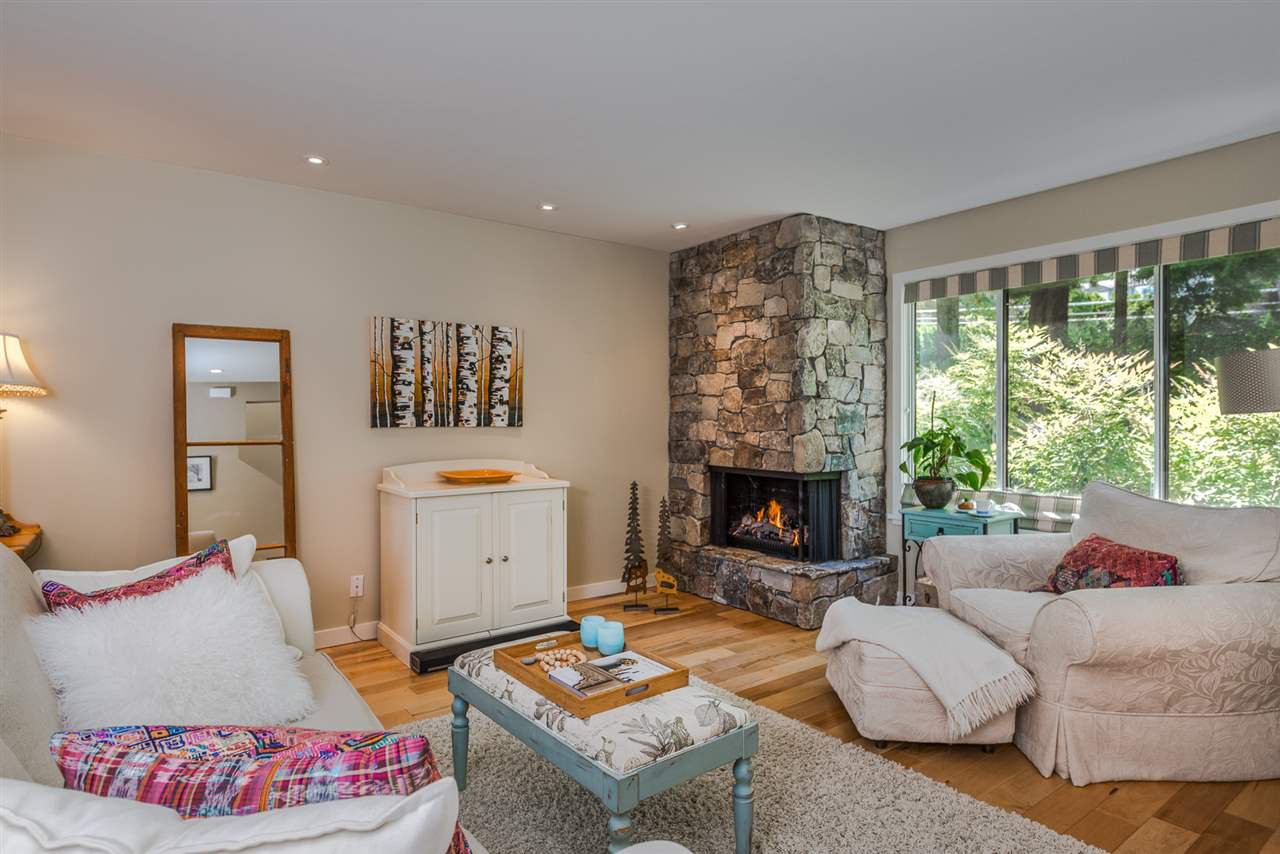Photo 2: Photos: 1196 DEEP COVE Road in North Vancouver: Deep Cove Townhouse for sale : MLS®# R2279421