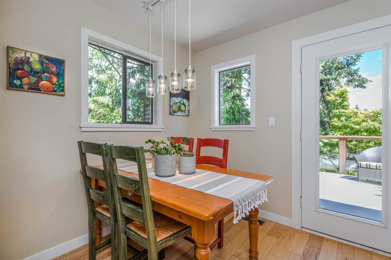 Photo 8: Photos: 1196 DEEP COVE Road in North Vancouver: Deep Cove Townhouse for sale : MLS®# R2279421