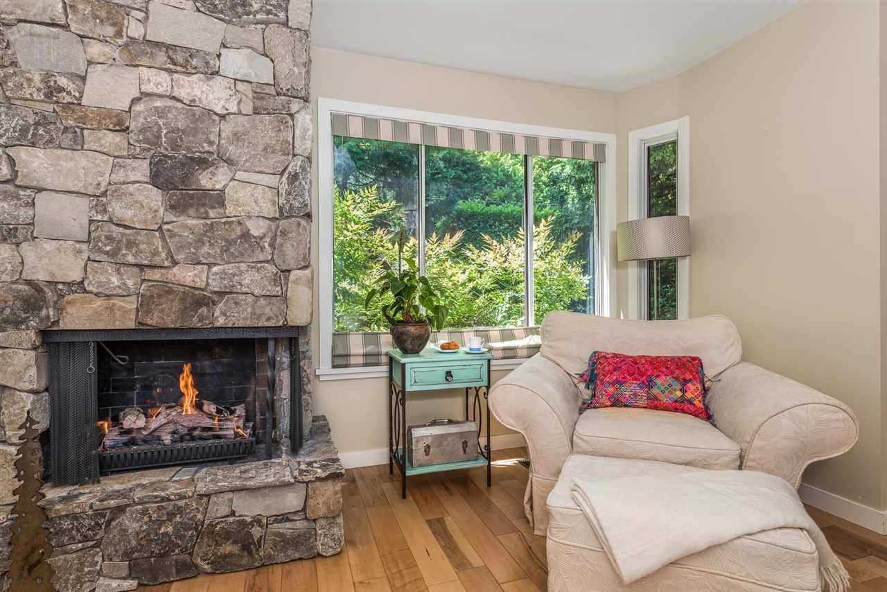 Photo 4: Photos: 1196 DEEP COVE Road in North Vancouver: Deep Cove Townhouse for sale : MLS®# R2279421