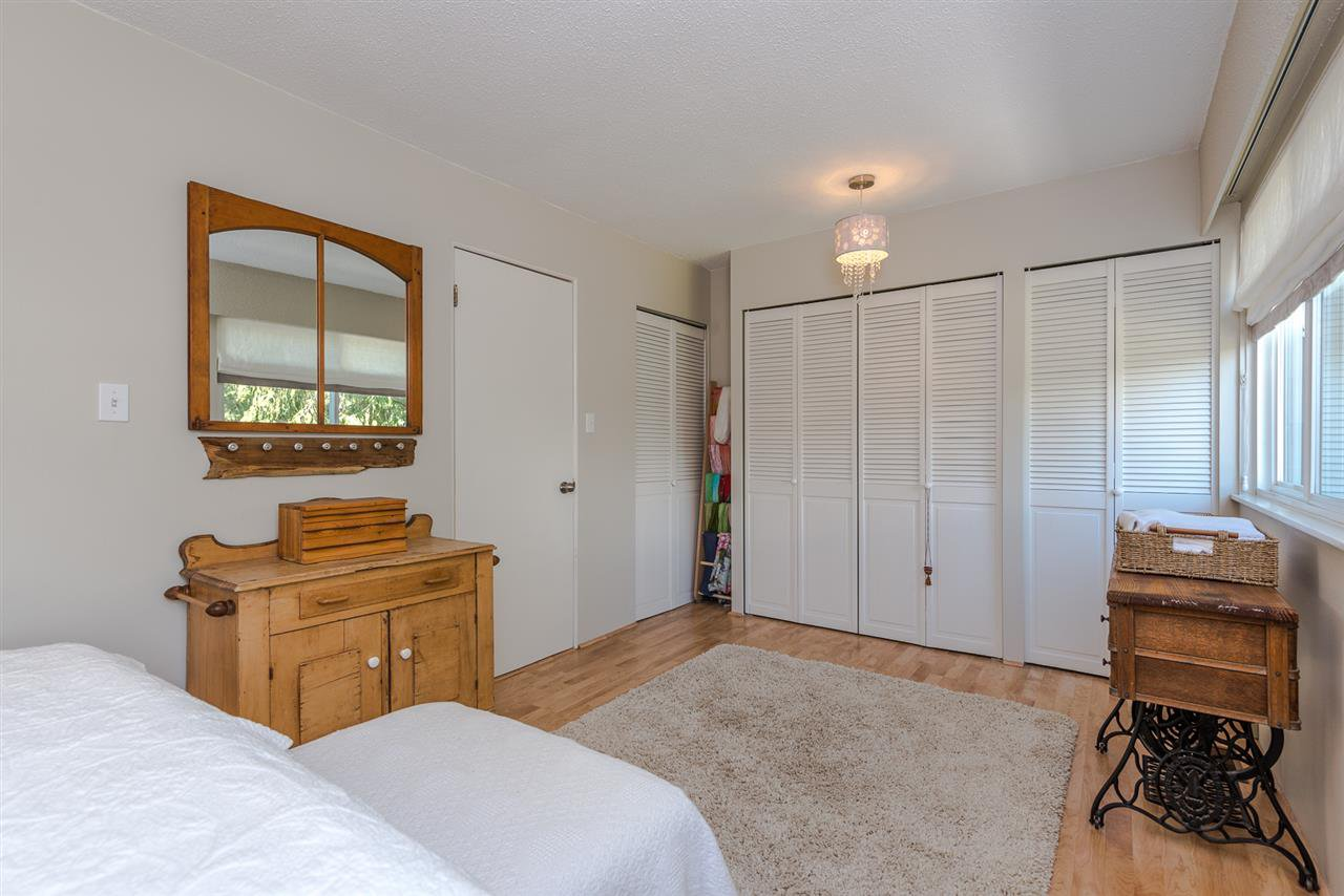 Photo 13: Photos: 1196 DEEP COVE Road in North Vancouver: Deep Cove Townhouse for sale : MLS®# R2279421