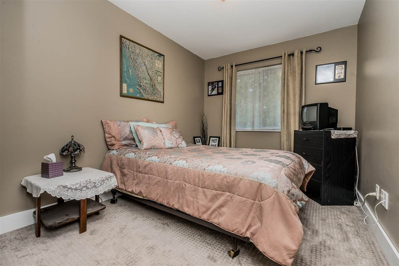"""Photo 11: Photos: 9 9539 208 Street in Langley: Walnut Grove Townhouse for sale in """"COUNTRY BROOK"""" : MLS®# R2339556"""