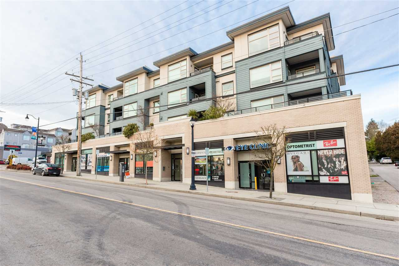 "Main Photo: 208 709 TWELFTH Street in New Westminster: Moody Park Condo for sale in ""SHIFT"" : MLS®# R2367501"