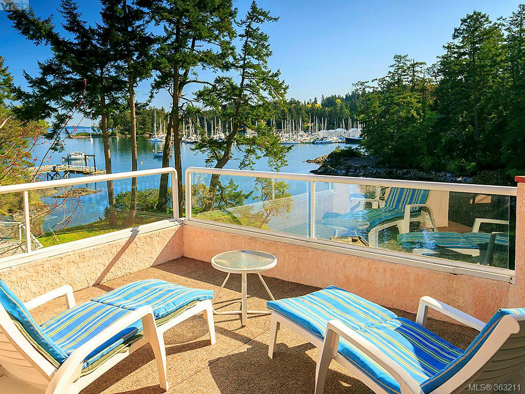 Main Photo: 2351 Sandpiper Close in North Saanich: NS Swartz Bay House for sale : MLS®# 363211