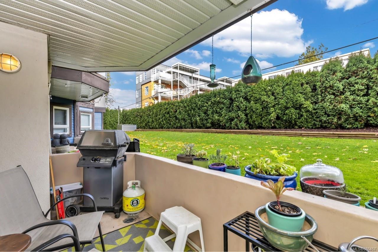 Photo 26: Photos: 105 2529 Wark St in : Vi Hillside Condo for sale (Victoria)  : MLS®# 860457