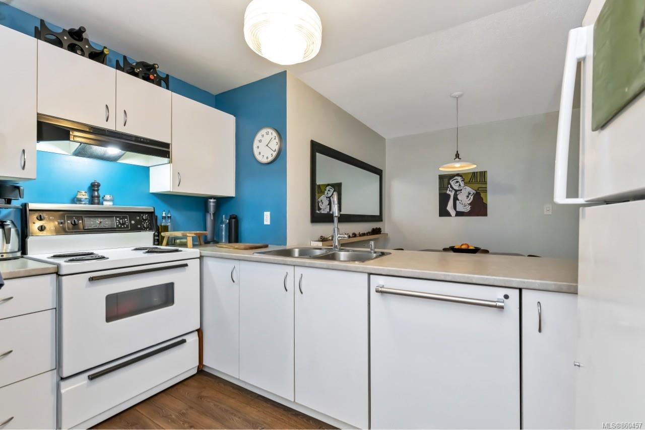 Photo 14: Photos: 105 2529 Wark St in : Vi Hillside Condo for sale (Victoria)  : MLS®# 860457