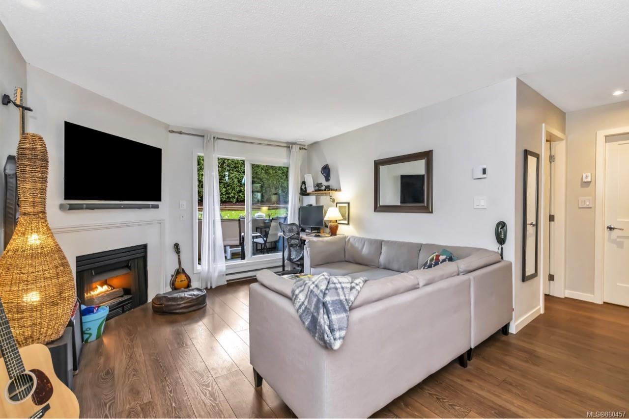 Photo 3: Photos: 105 2529 Wark St in : Vi Hillside Condo for sale (Victoria)  : MLS®# 860457