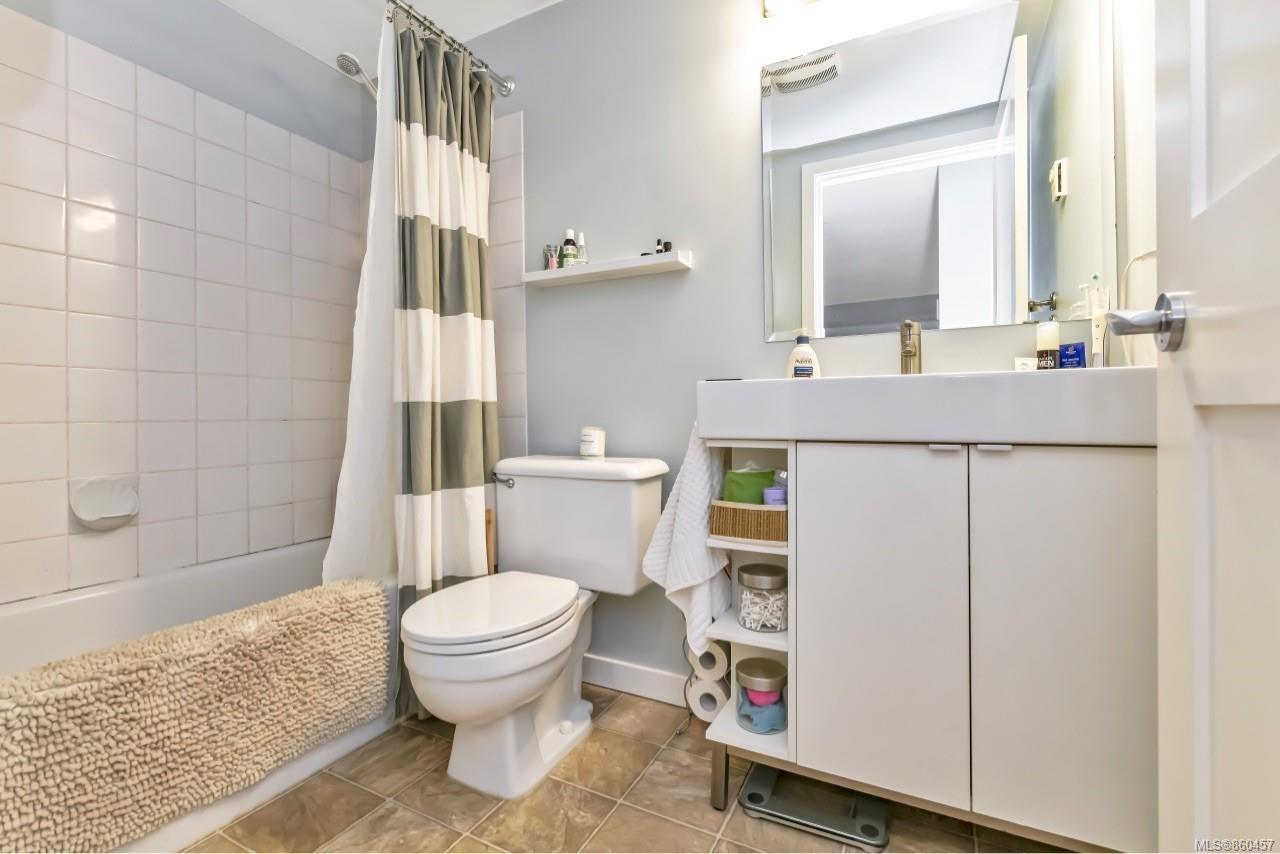 Photo 21: Photos: 105 2529 Wark St in : Vi Hillside Condo for sale (Victoria)  : MLS®# 860457