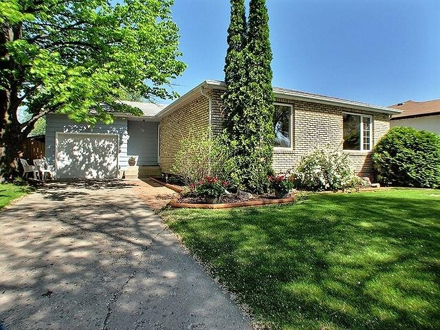 Main Photo: 28 Iris Street in Winnipeg: Residential for sale : MLS®# 1210708