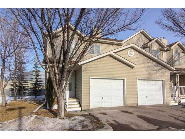 Main Photo: 143 MT DOUGLAS Manor SE in CALGARY: McKenzie Lake Townhouse for sale (Calgary)  : MLS®# C3597581