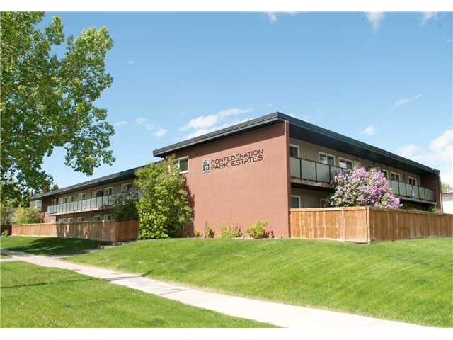 Main Photo: 2 3208 19 Street NW in CALGARY: Collingwood Condo for sale (Calgary)  : MLS®# C3603005