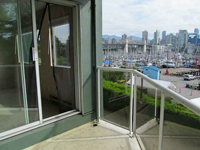"""Main Photo: 304 1510 W 1ST Avenue in Vancouver: False Creek Condo for sale in """"Mariners Point"""" (Vancouver West)  : MLS®# V1066177"""