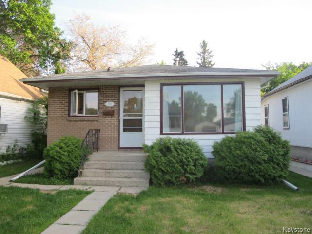 Main Photo:  in WINNIPEG: East Kildonan Residential for sale (North East Winnipeg)  : MLS®# 1414106