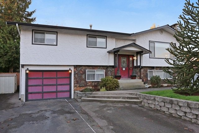 "Main Photo: 5959 ANGUS Place in Surrey: Cloverdale BC House for sale in ""CLOVERDALE"" (Cloverdale)  : MLS®# R2012672"