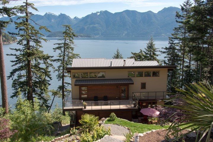 Main Photo: 264 JASON Road: Bowen Island House for sale : MLS®# R2073702