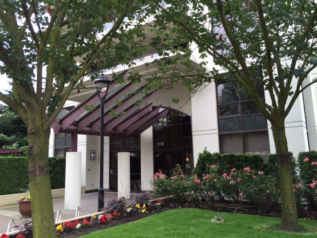 """Main Photo: 2202 2138 MADISON Avenue in Burnaby: Brentwood Park Condo for sale in """"MOSAIC"""" (Burnaby North)  : MLS®# R2079166"""
