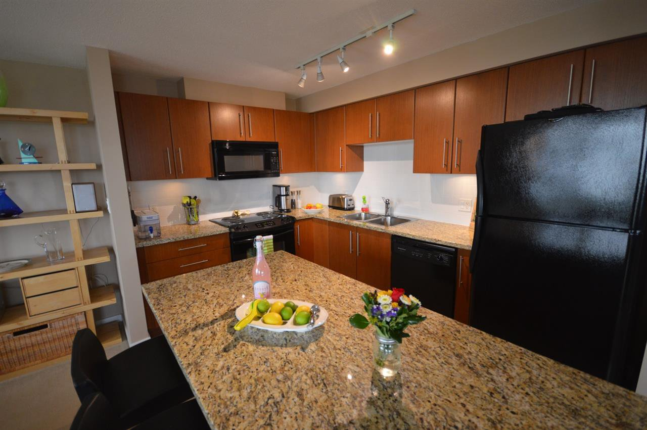 """Photo 4: Photos: 2202 2138 MADISON Avenue in Burnaby: Brentwood Park Condo for sale in """"MOSAIC"""" (Burnaby North)  : MLS®# R2079166"""