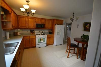 Photo 4: Photos: 46926 ACORN Street in Chilliwack: Chilliwack E Young-Yale House for sale : MLS®# R2092533