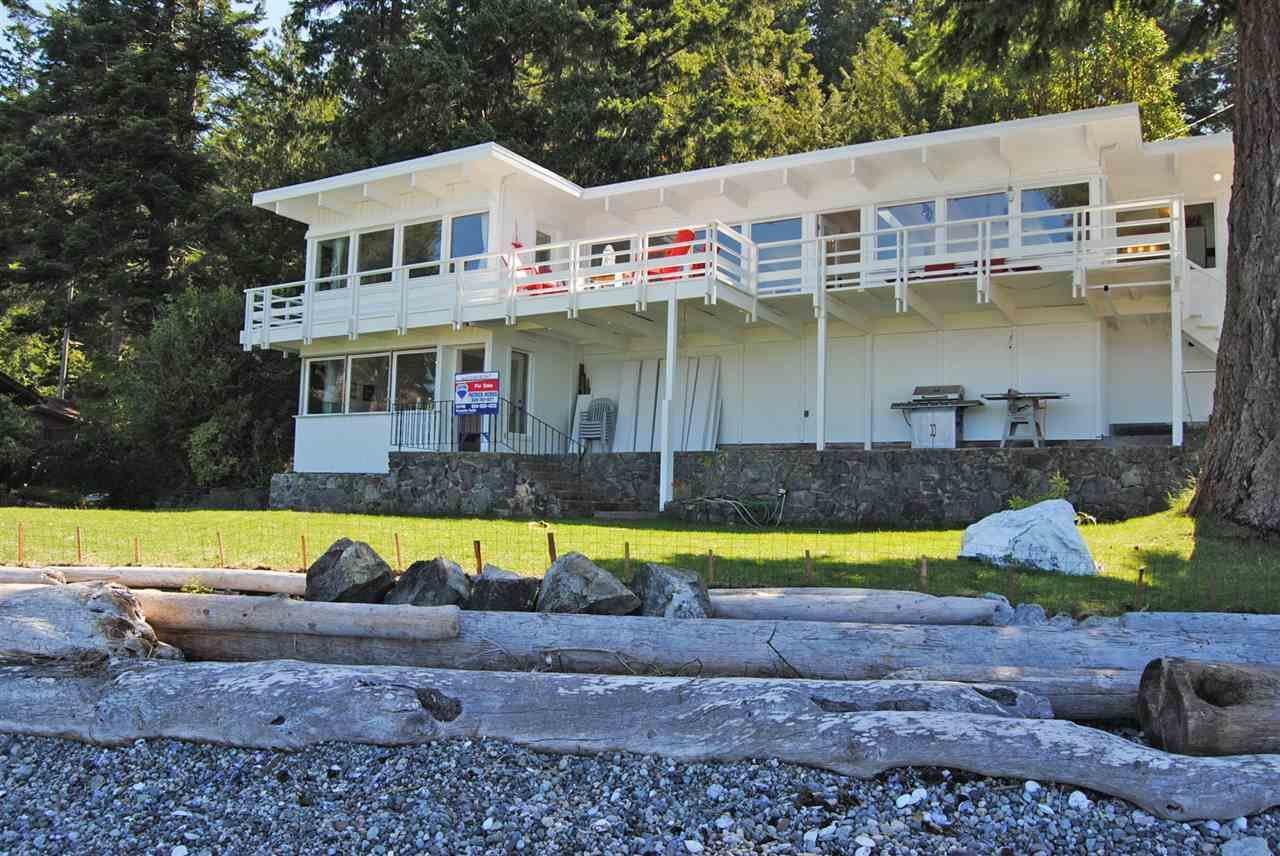 Main Photo: 8741 REDROOFFS Road in Halfmoon Bay: Halfmn Bay Secret Cv Redroofs House for sale (Sunshine Coast)  : MLS®# R2104089