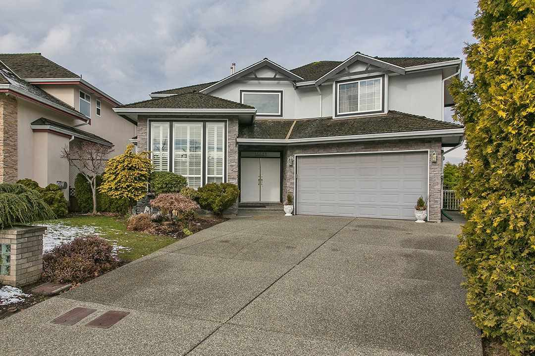 "Main Photo: 16643 85B Avenue in Surrey: Fleetwood Tynehead House for sale in ""Cedar Grove"" : MLS®# R2143278"