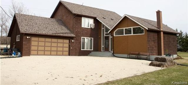 Main Photo: 2 Son Crescent in Rosser: Grosse Isle Residential for sale (R12)  : MLS®# 1709349