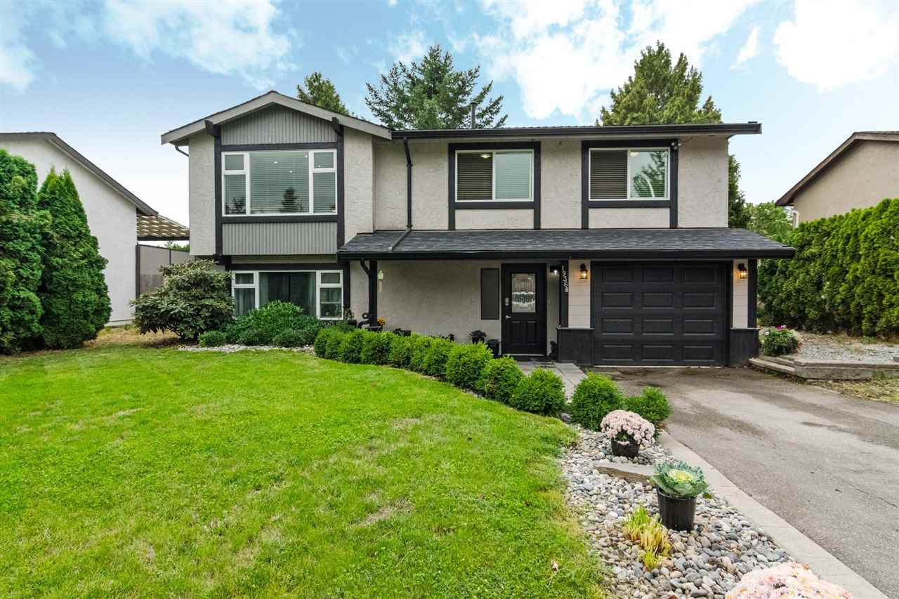 Main Photo: 19368 62A Avenue in Surrey: Clayton House for sale (Cloverdale)  : MLS®# R2204704