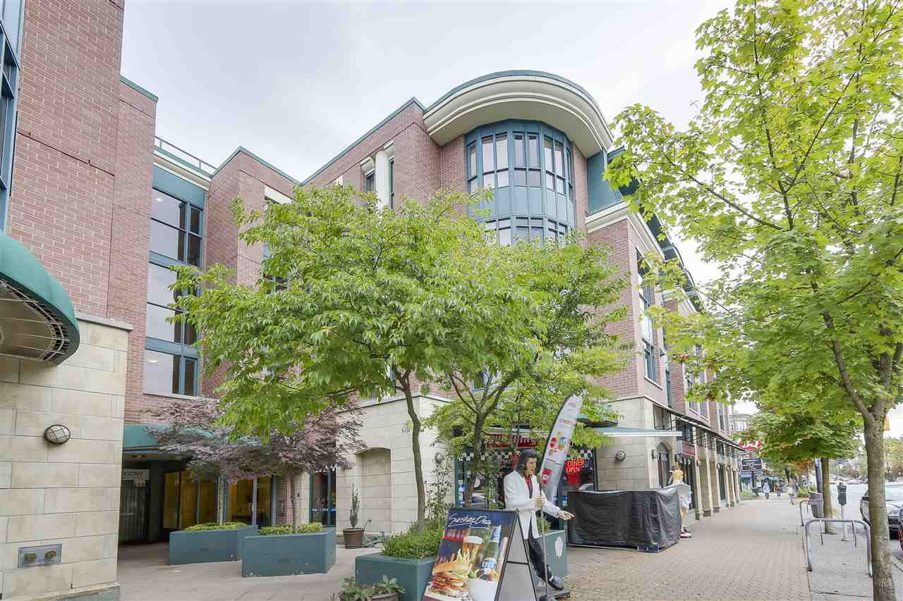 Main Photo: 212 2665 W BROADWAY in Vancouver: Kitsilano Condo for sale (Vancouver West)  : MLS®# R2209718