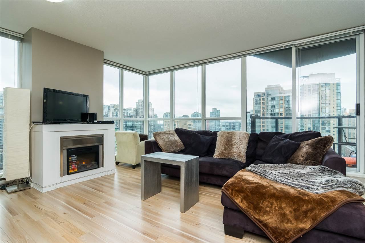"""Main Photo: 1504 1199 SEYMOUR Street in Vancouver: Downtown VW Condo for sale in """"BRAVA"""" (Vancouver West)  : MLS®# R2236116"""