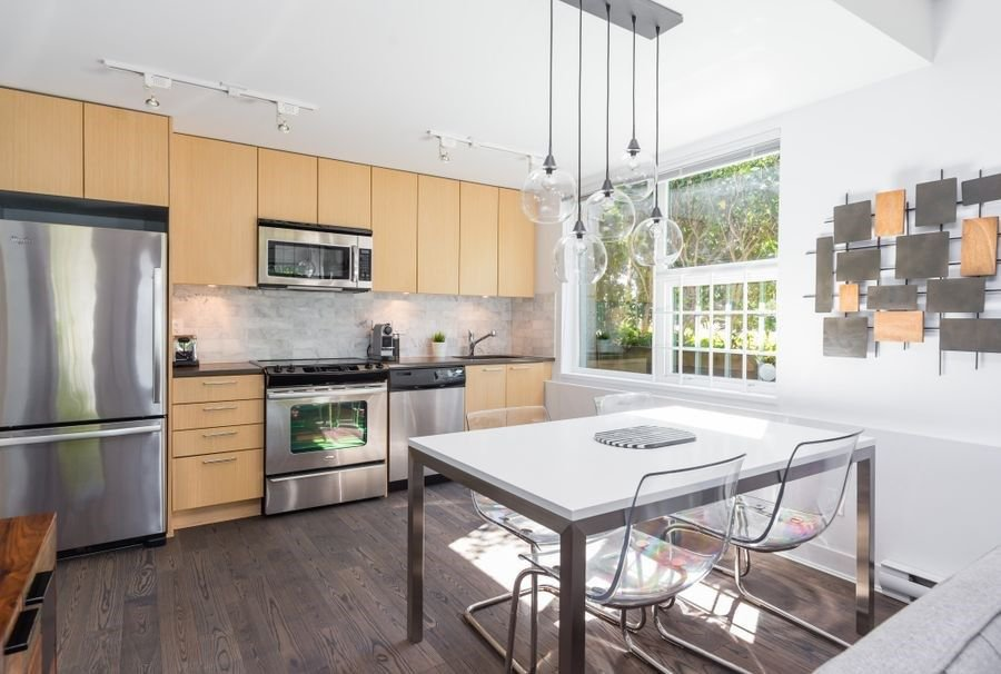 """Photo 7: Photos: 1002 E 7TH Avenue in Vancouver: Mount Pleasant VE Townhouse for sale in """"7 & W"""" (Vancouver East)  : MLS®# R2239362"""
