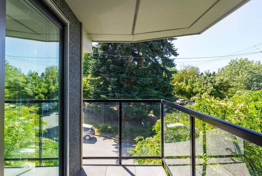 """Photo 18: Photos: 1002 E 7TH Avenue in Vancouver: Mount Pleasant VE Townhouse for sale in """"7 & W"""" (Vancouver East)  : MLS®# R2239362"""