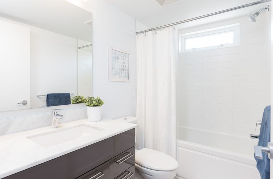 """Photo 11: Photos: 1002 E 7TH Avenue in Vancouver: Mount Pleasant VE Townhouse for sale in """"7 & W"""" (Vancouver East)  : MLS®# R2239362"""