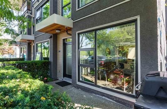 """Photo 2: Photos: 1002 E 7TH Avenue in Vancouver: Mount Pleasant VE Townhouse for sale in """"7 & W"""" (Vancouver East)  : MLS®# R2239362"""