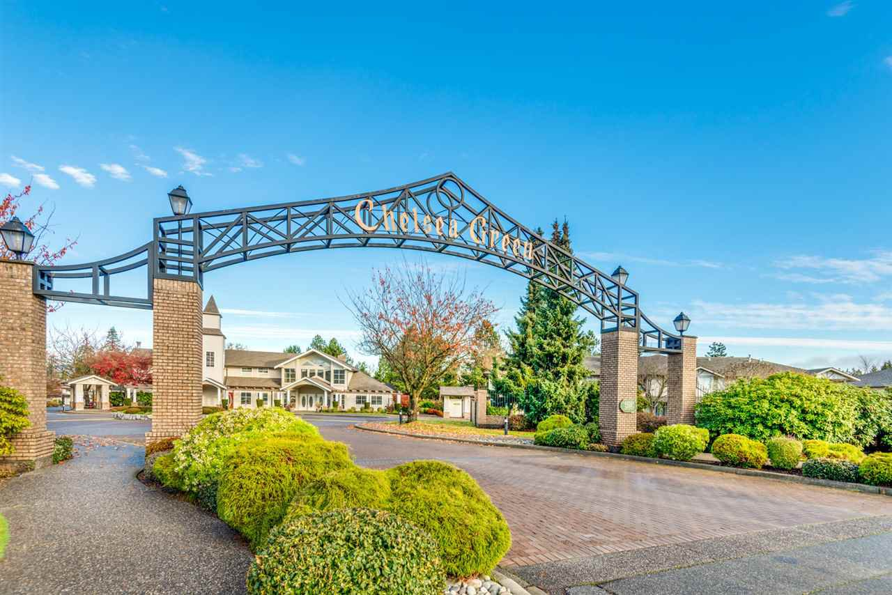 """Main Photo: 205 20391 96 Avenue in Langley: Walnut Grove Townhouse for sale in """"CHELSEA GREEN"""" : MLS®# R2329214"""