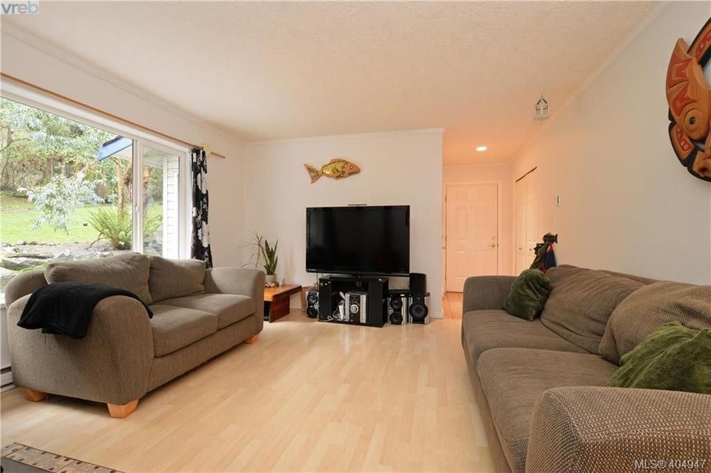 Photo 4: Photos: 2194 Phillips Rd in SOOKE: Sk Sooke Vill Core Half Duplex for sale (Sooke)  : MLS®# 804621