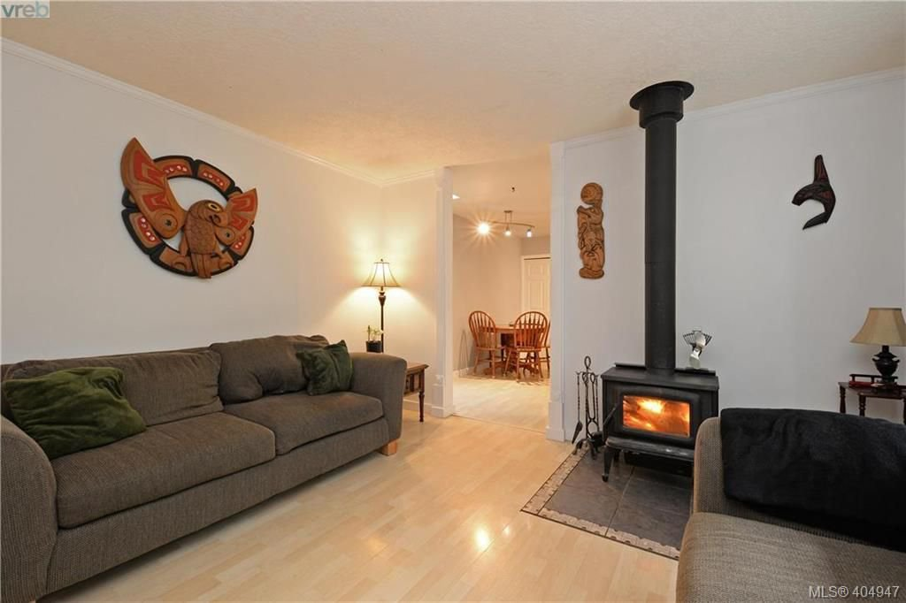 Photo 3: Photos: 2194 Phillips Rd in SOOKE: Sk Sooke Vill Core Half Duplex for sale (Sooke)  : MLS®# 804621