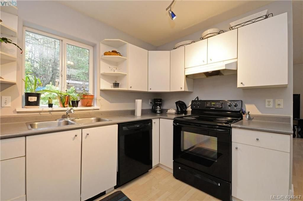 Photo 9: Photos: 2194 Phillips Rd in SOOKE: Sk Sooke Vill Core Half Duplex for sale (Sooke)  : MLS®# 804621