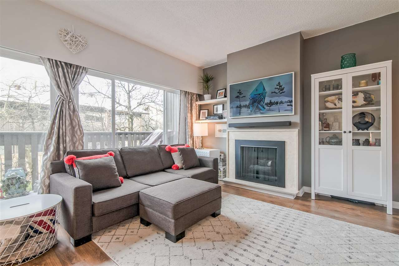 """Photo 5: Photos: 1069 LILLOOET Road in North Vancouver: Lynnmour Townhouse for sale in """"Lynnmour West"""" : MLS®# R2338577"""
