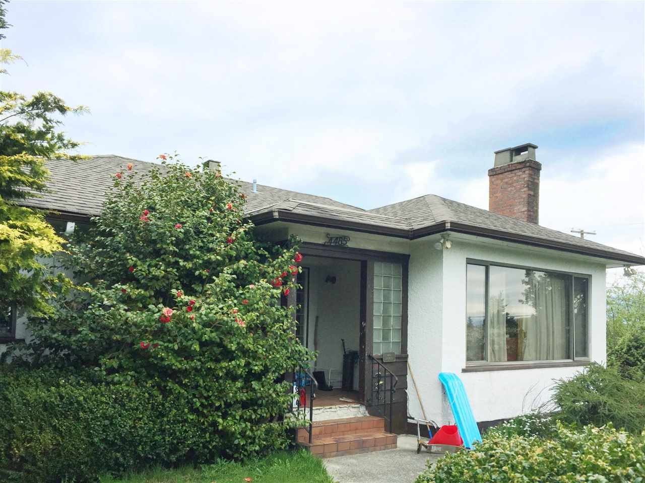 Main Photo: 4485 DINMONT Avenue in Vancouver: Cambie House for sale (Vancouver West)  : MLS®# R2360447