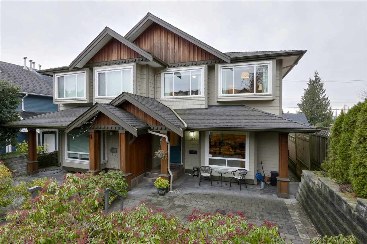 Main Photo: 307 E 6 Street in North Vancouver: Lower Lonsdale House 1/2 Duplex for sale : MLS®# R2433407