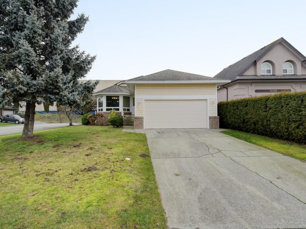 Photo 18: Photos: 12150 CHESTNUT Crescent in Pitt Meadows: Mid Meadows House for sale : MLS®# R2463822